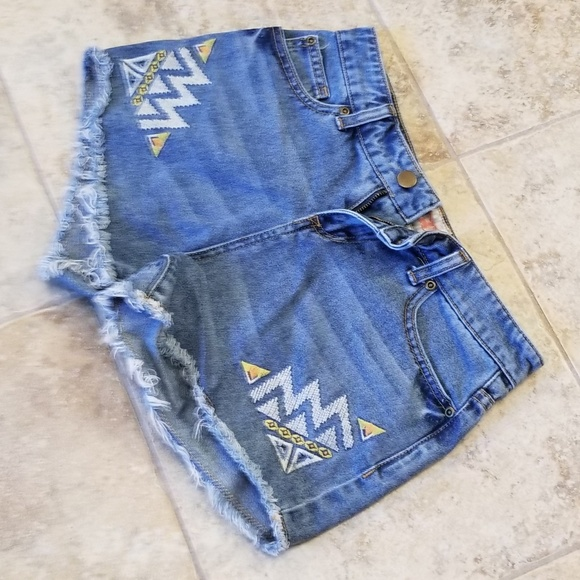 GB Pants - GB Embroidered Good Condition Jeans Short Shorts